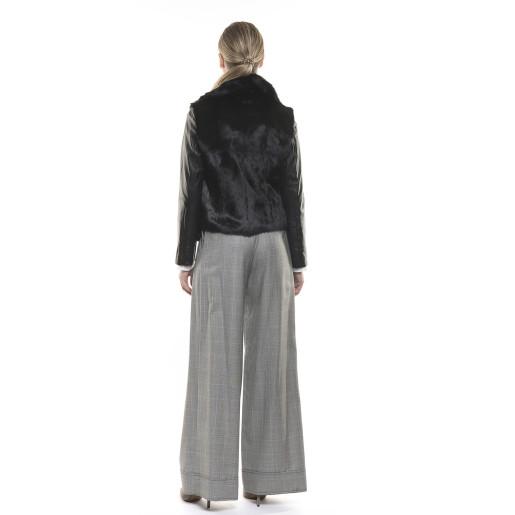 Jachetă de blană naturală de iepure cu mâneci de piele neagră
