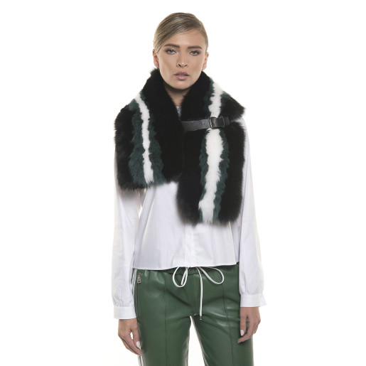 Green and white fox coated collar