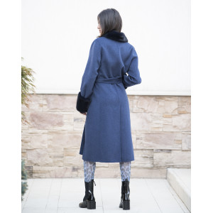 Palton albastru din casmir albastru cu guler si mansete din blana naturala vizon negru