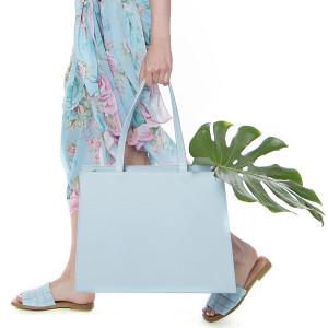 Geanta plaja Dreamy Garden Bleu, dimensiune 30x40x15cm, piele naturala 100%